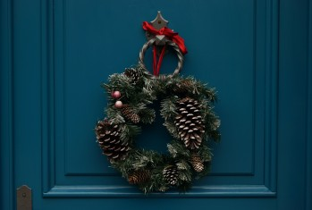 Photo of a wreath.